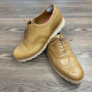 Grenson Tan Extra Light Wingtip Shoes 9.5 G